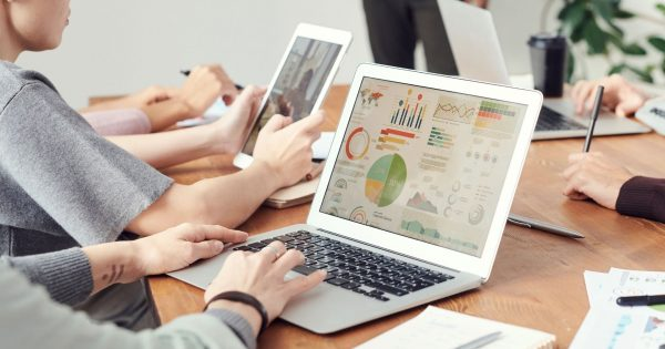 What is the difference between Data Analyst vs Business Analyst vs Business Intelligence Analyst?